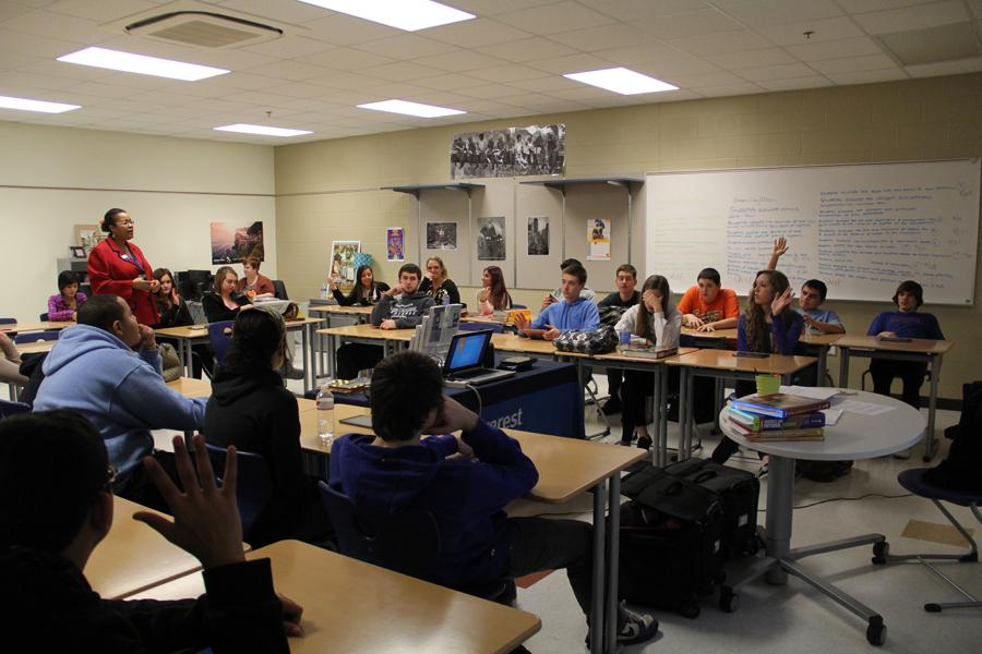 Guest speaker helps budget personal finance classes | Lake ...
