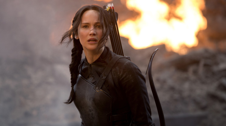 'HUnger Games: MOckingjay' director warns Katniss is 'very alone'