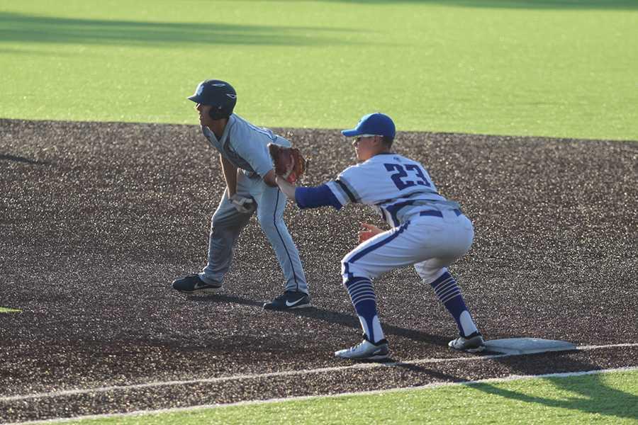 5.16.17-VarsityBaseball-Oster25