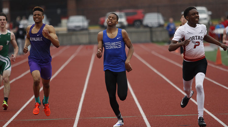 De'Shaun Fort (10) sprints for the finish in the 400-meter dash. Fort placed fourth with a time of 51.49 seconds.