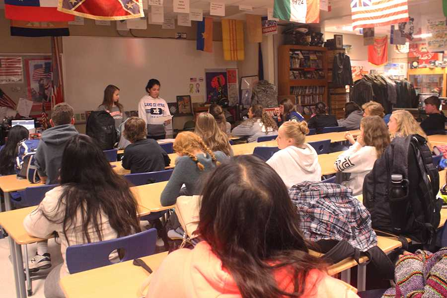 Students stay after for interact club in C313 to discuss the food drive. Officers Rachel Eder (12) and Katarina Nikolovski (10) talked to the members about different volunteer opportunities.